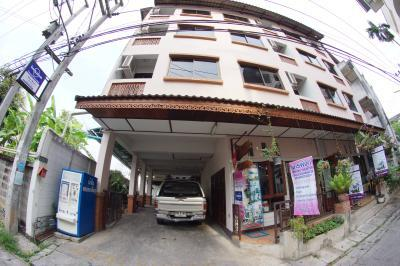 Banwiang Guest House and Apartment