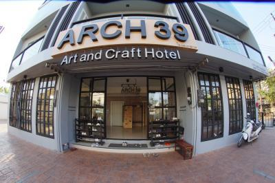 Arch 39 Art and Craft Hotel